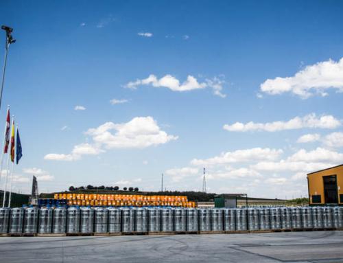 Navas de Oro inaugura la séptima fábrica de resinas de España